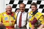 Rickard Rydell var inte sen att gratulera Erik och Anders.