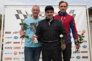 Andreas Martinsson tog sitt livs första två segrar i Formel Ford. Här flankeras han av Henrik Hansson och Henry Sandblom.