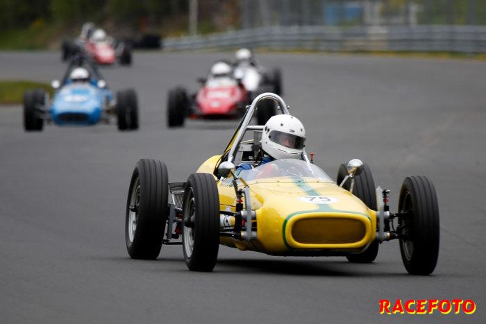 Anders Bertilsson vann med sin nybyggda bil i Formel Vee.
