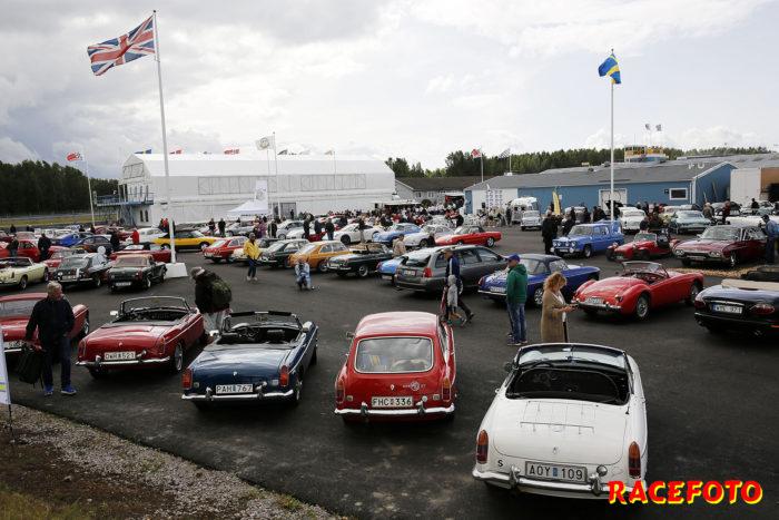 Det myllrade av sportbilar på utställningsområdet.
