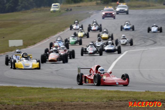 Formel Vee mönstrar ett stort startfält till årets Nostalgia på Mantorp Park.