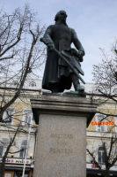 Baltzar von Platen har sin given plats som staty på torget i Motala.